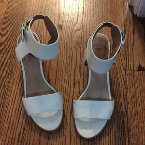 Joie white summer sandals!